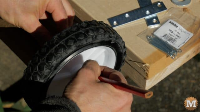 MAN about TOOLS - firewood cutting jig - mark axle