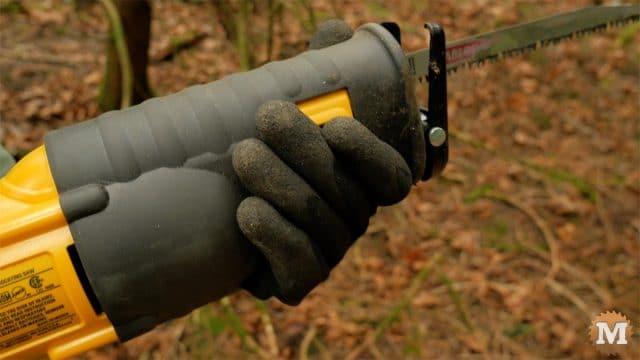 Pruning reciprocating saw handle grip