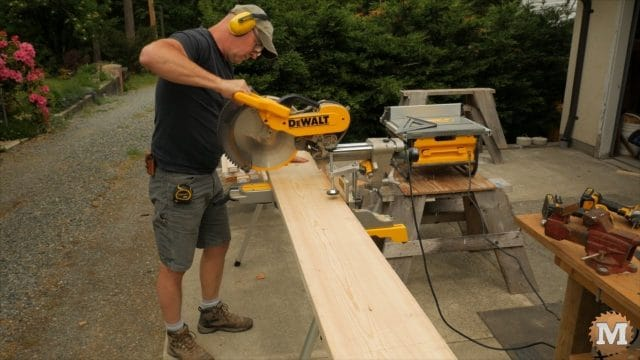 miter saw cutting form parts to length
