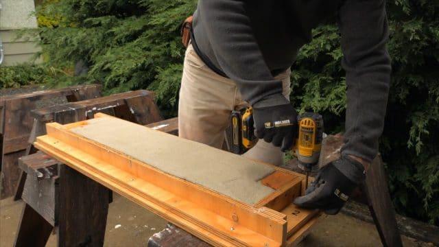 disassemble concrete moulds