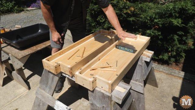 DIY Concrete Garden Box SimpleForm - Level in both directions