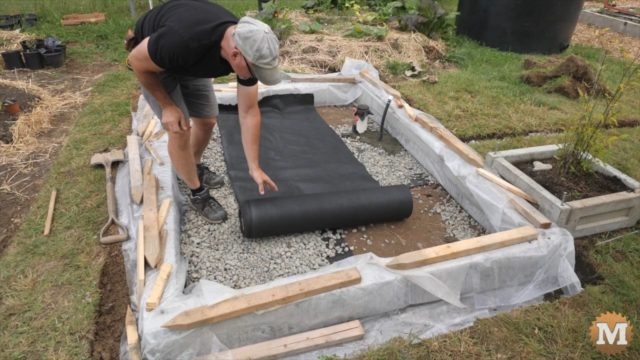Prepping the base with gravel
